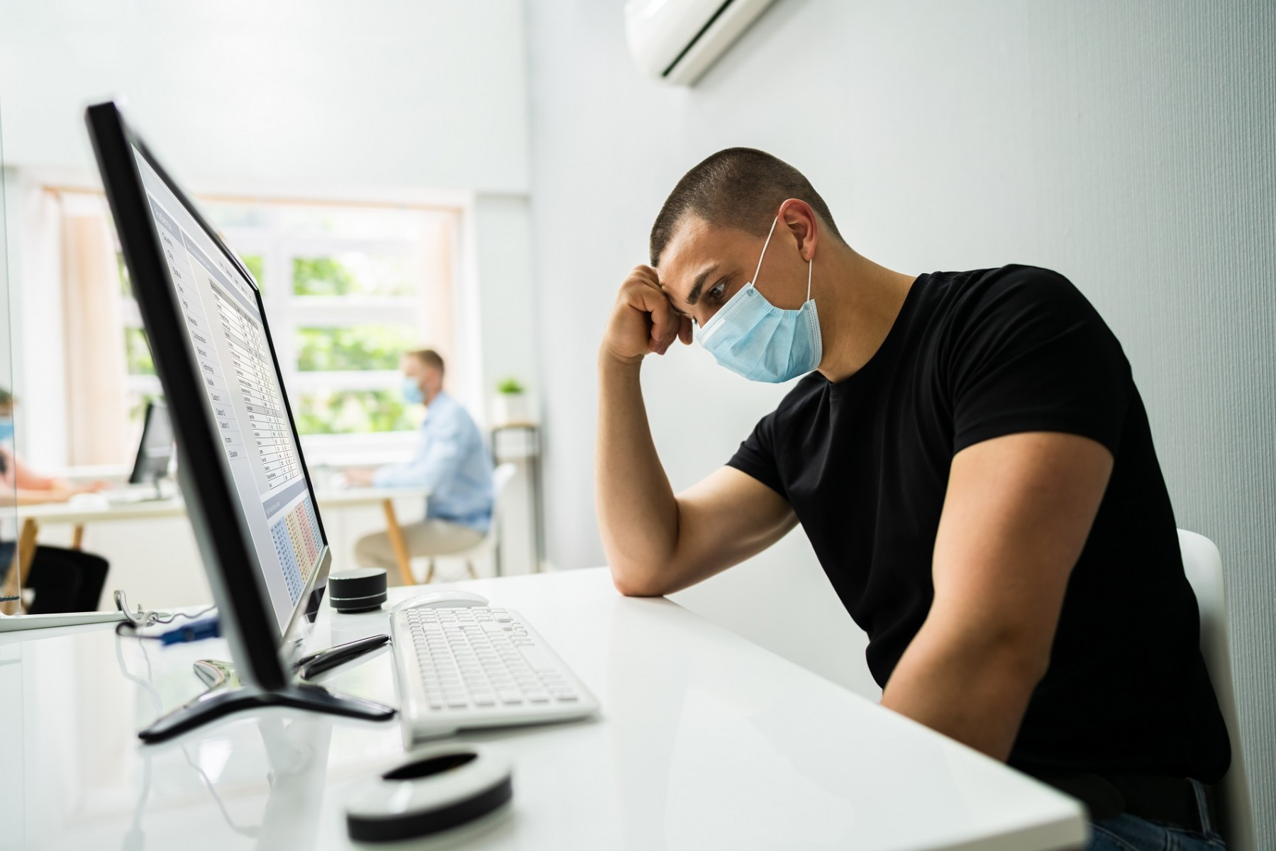 Pandemic stress making you less engaged at work? You're not alone.