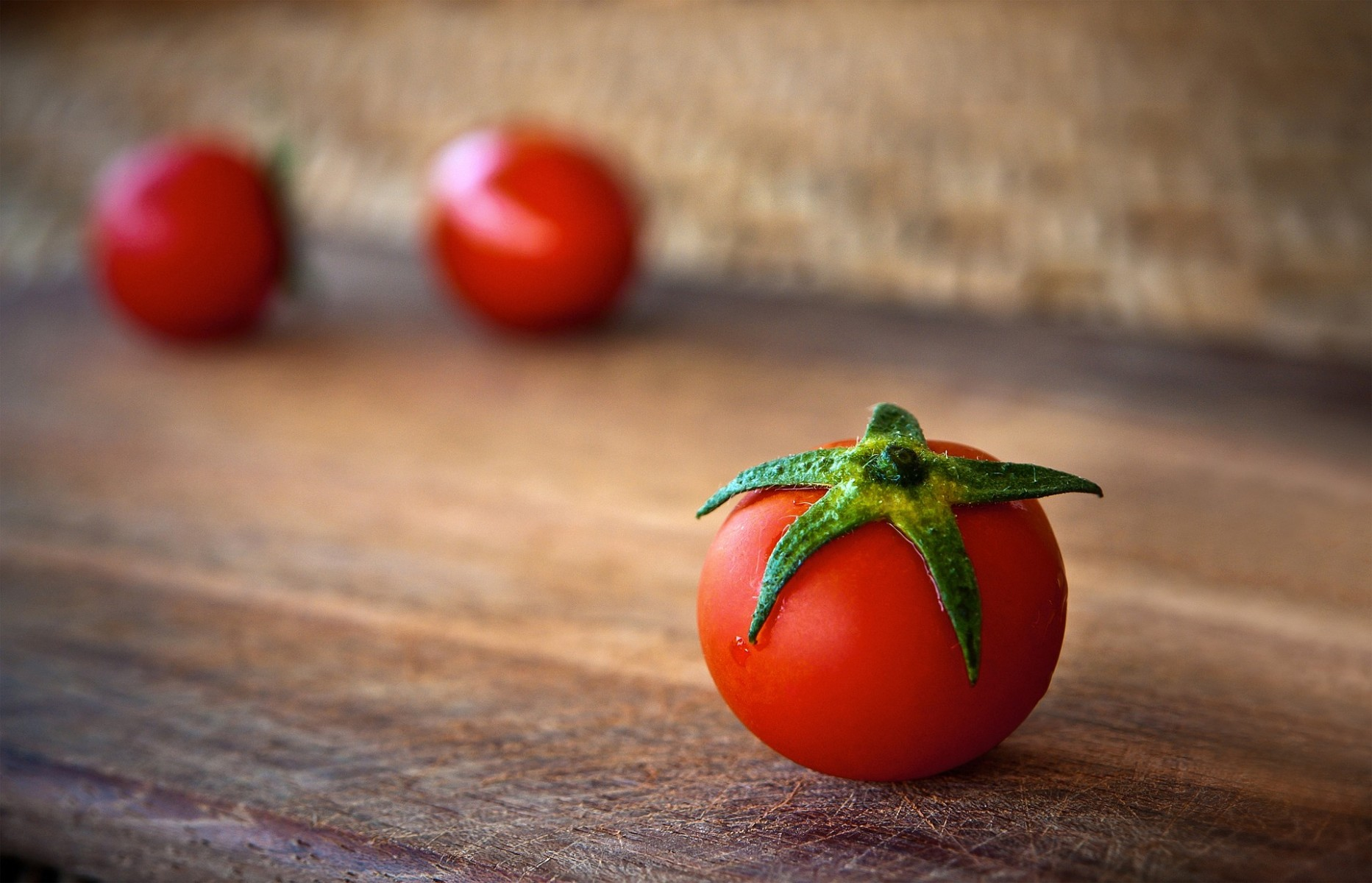 Ohio State research found that iron-rich foods such as red meat could strip away some anti-cancer benefits of tomatoes.