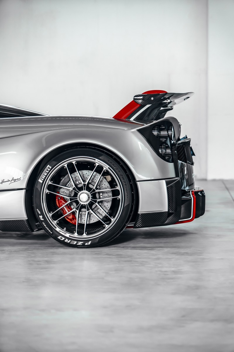 Pagani_Huayra_Roadster_BC (low)