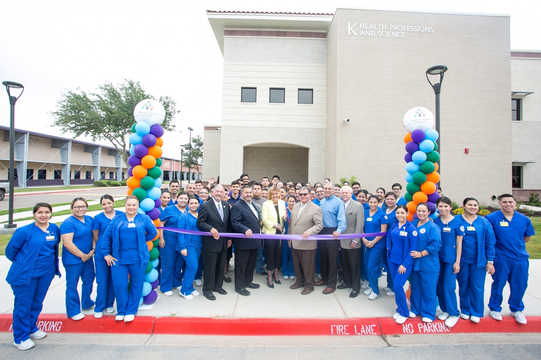 Mid-Valley Campus ribbon-cutting