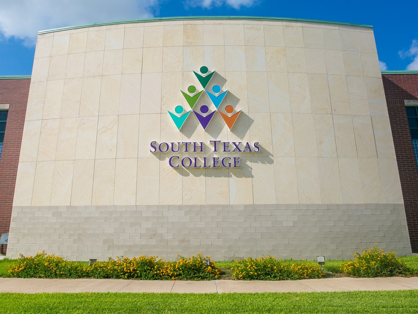 New STC logo added to Ann Richards Administration Building