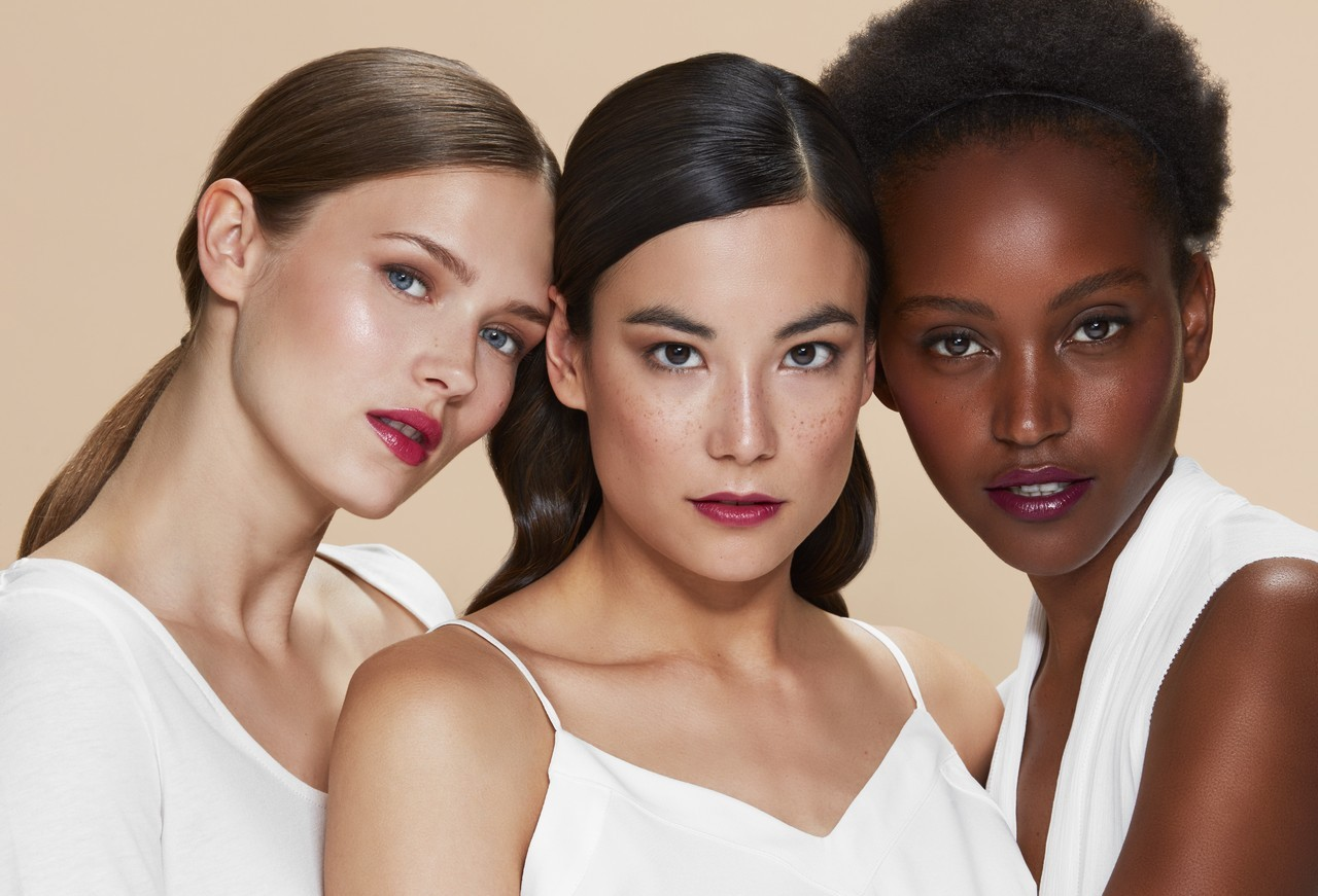 Makeup-beautyvisual-nowtrending-clean-beauty-model-trio-nude-bg-0522 - 1280 x 1280