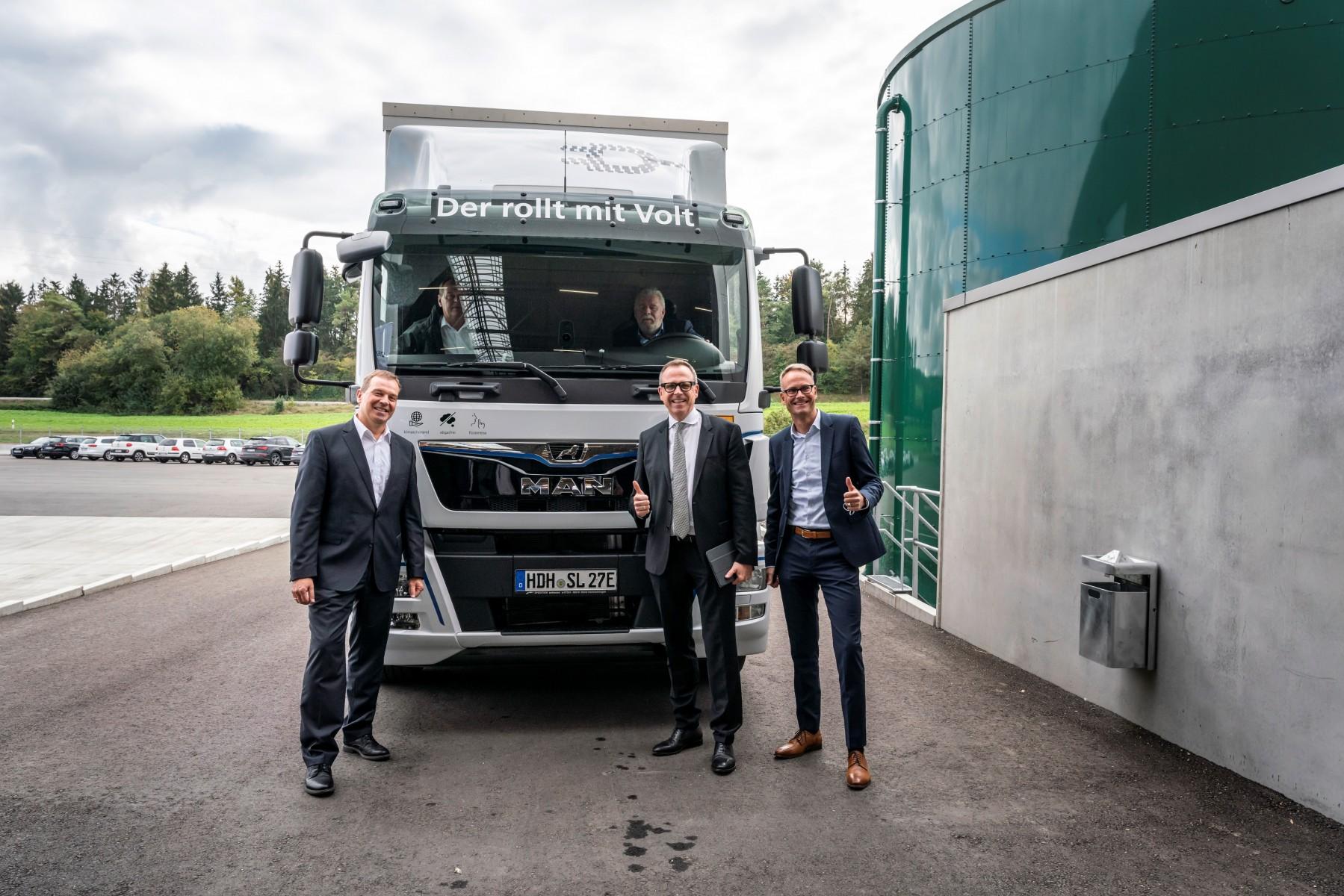 E_Truck_EOT_eTGM_Schwarz_Logistik