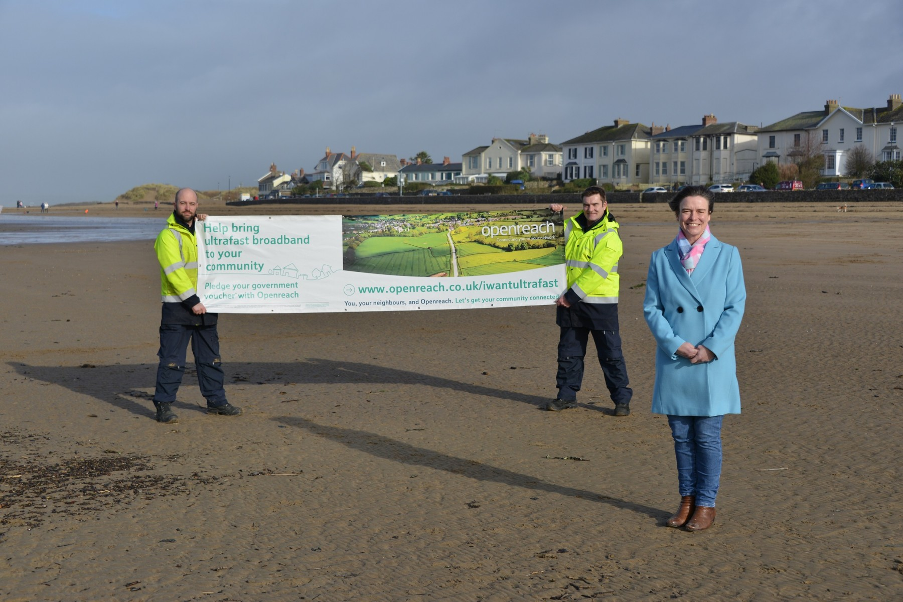 Selaine Saxby MP and Openreach engineers in Instow