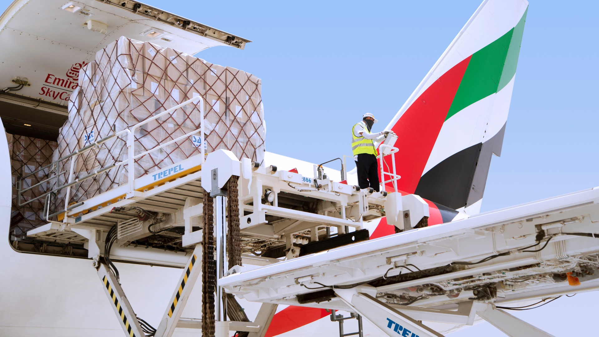 Emirates SkyCargo facilitates global trade in perishables through its network spanning six continents and through its modern fleet and infrastructure.