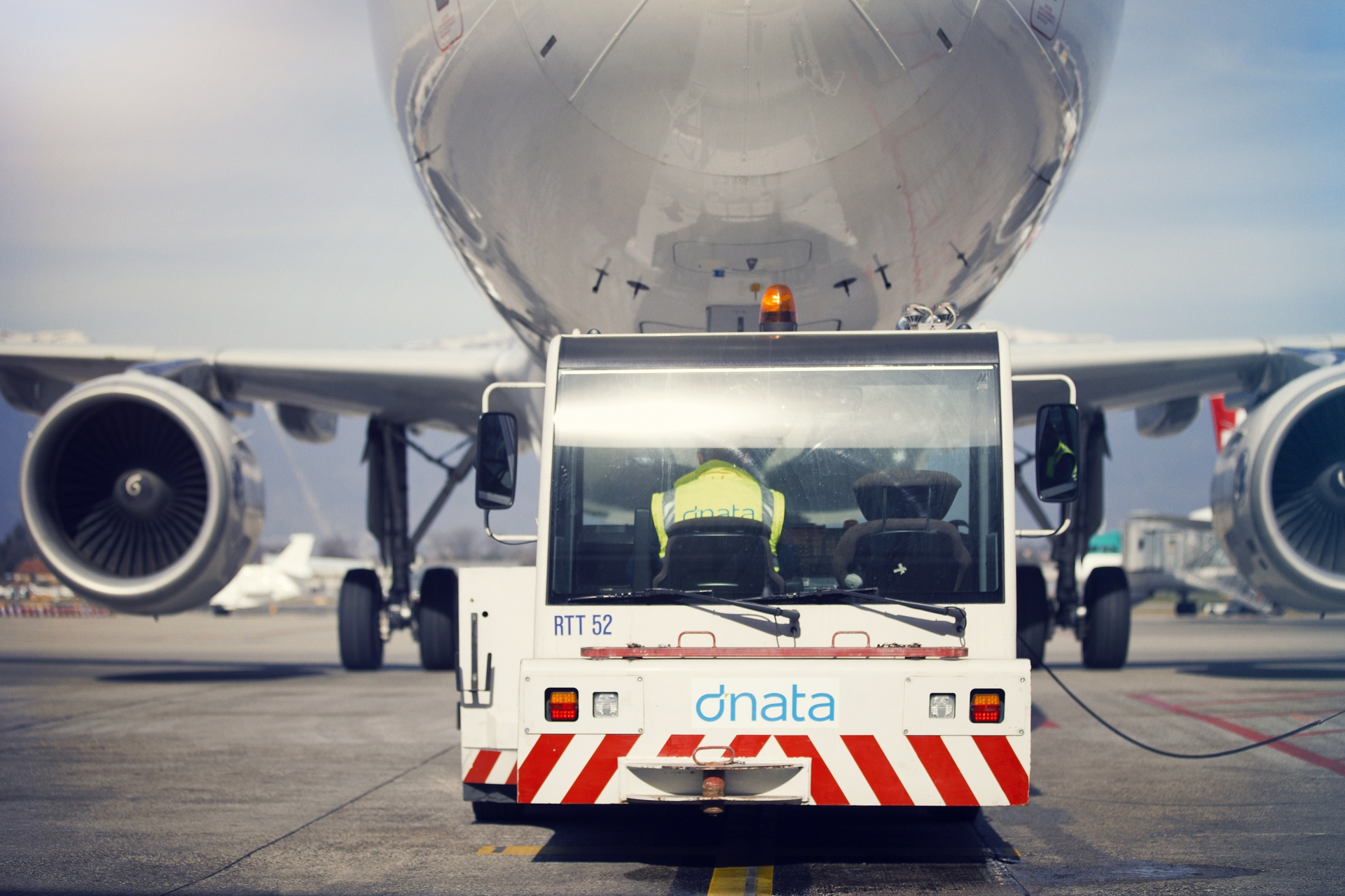 dnata awarded American Airlines ramp handling contract in Zurich