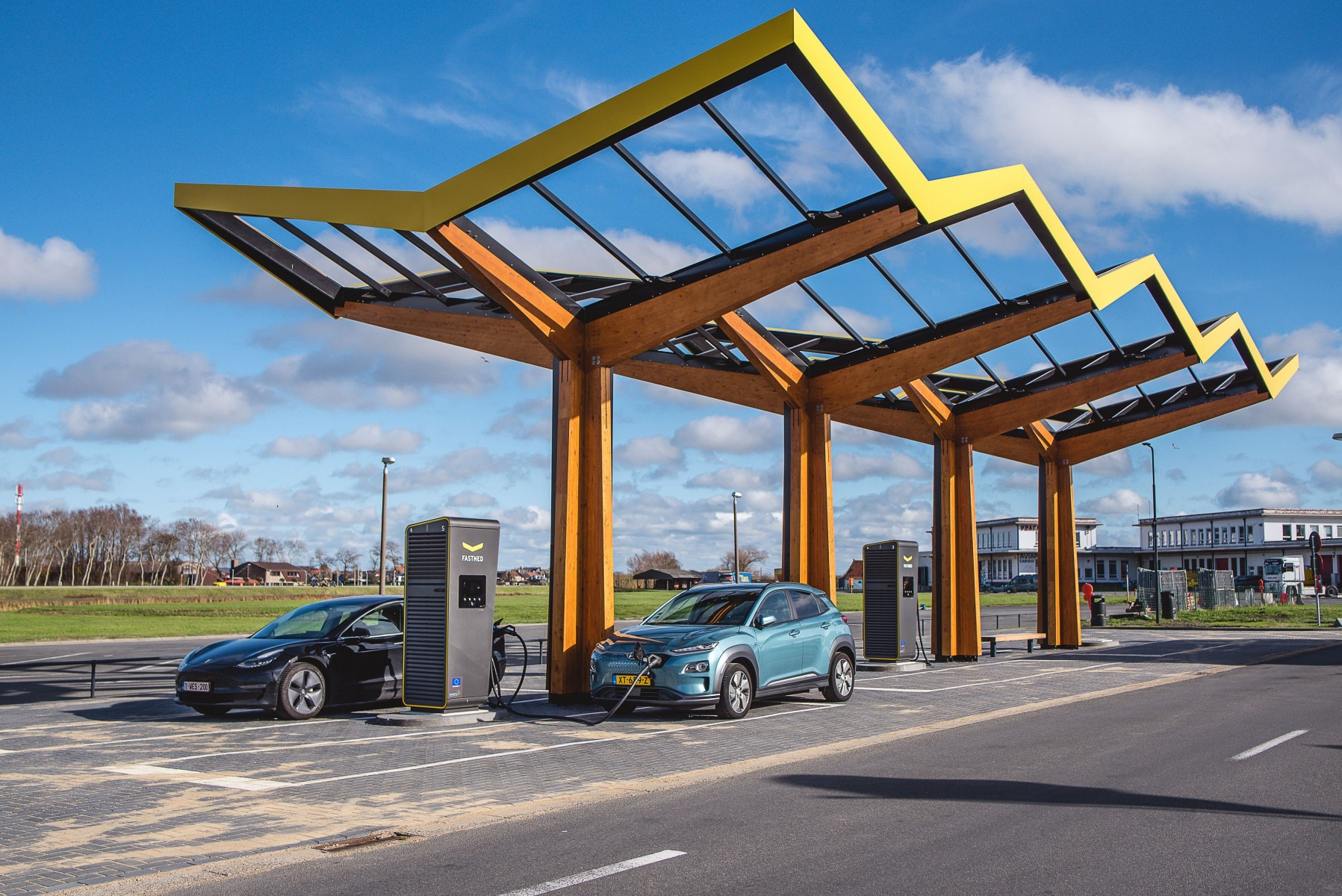 Photo first Fastned fast charging station Belgium_Oostende