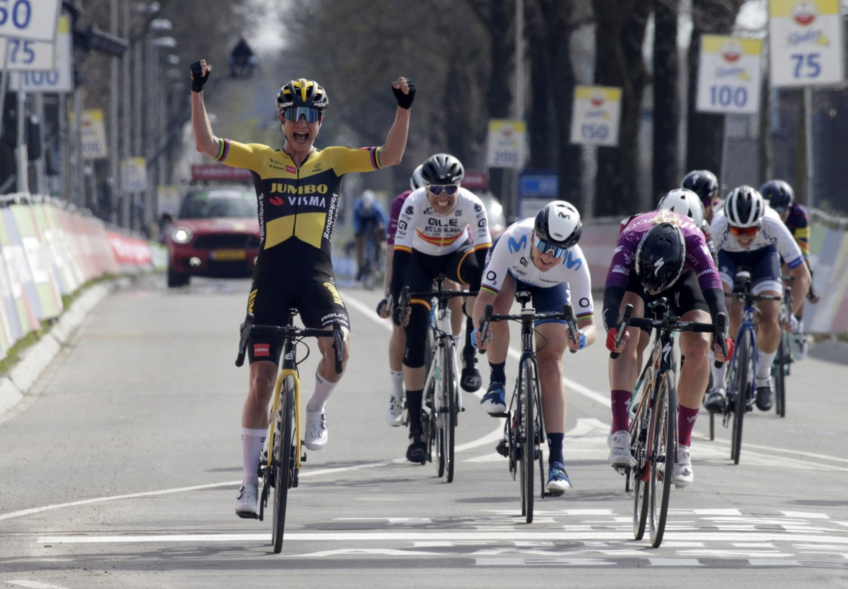 Marianne Vos wint Amstel Gold Race Ladies Edition 2021