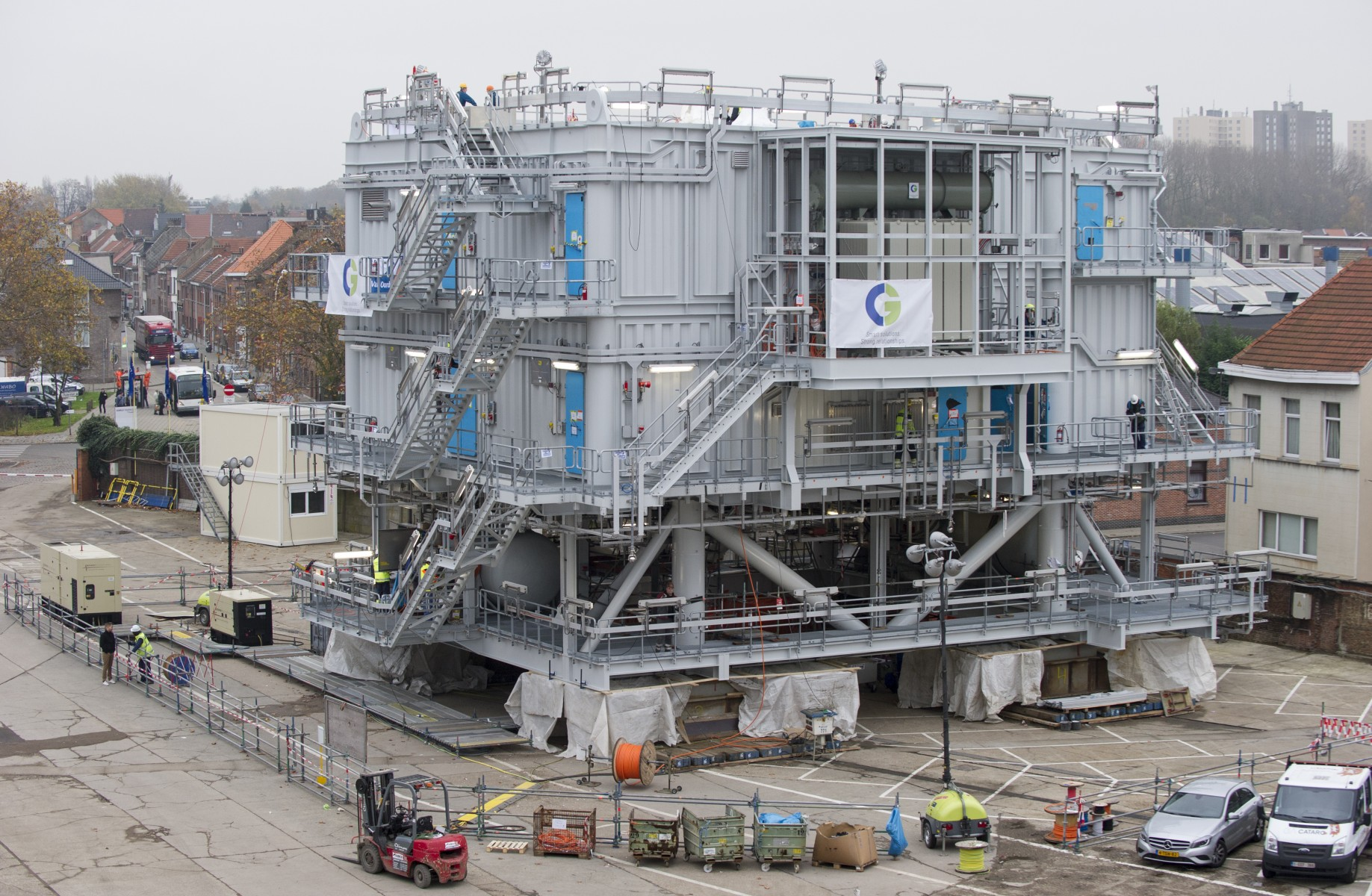 Offshore high-voltage station for Eneco Luchterduinen wind ...