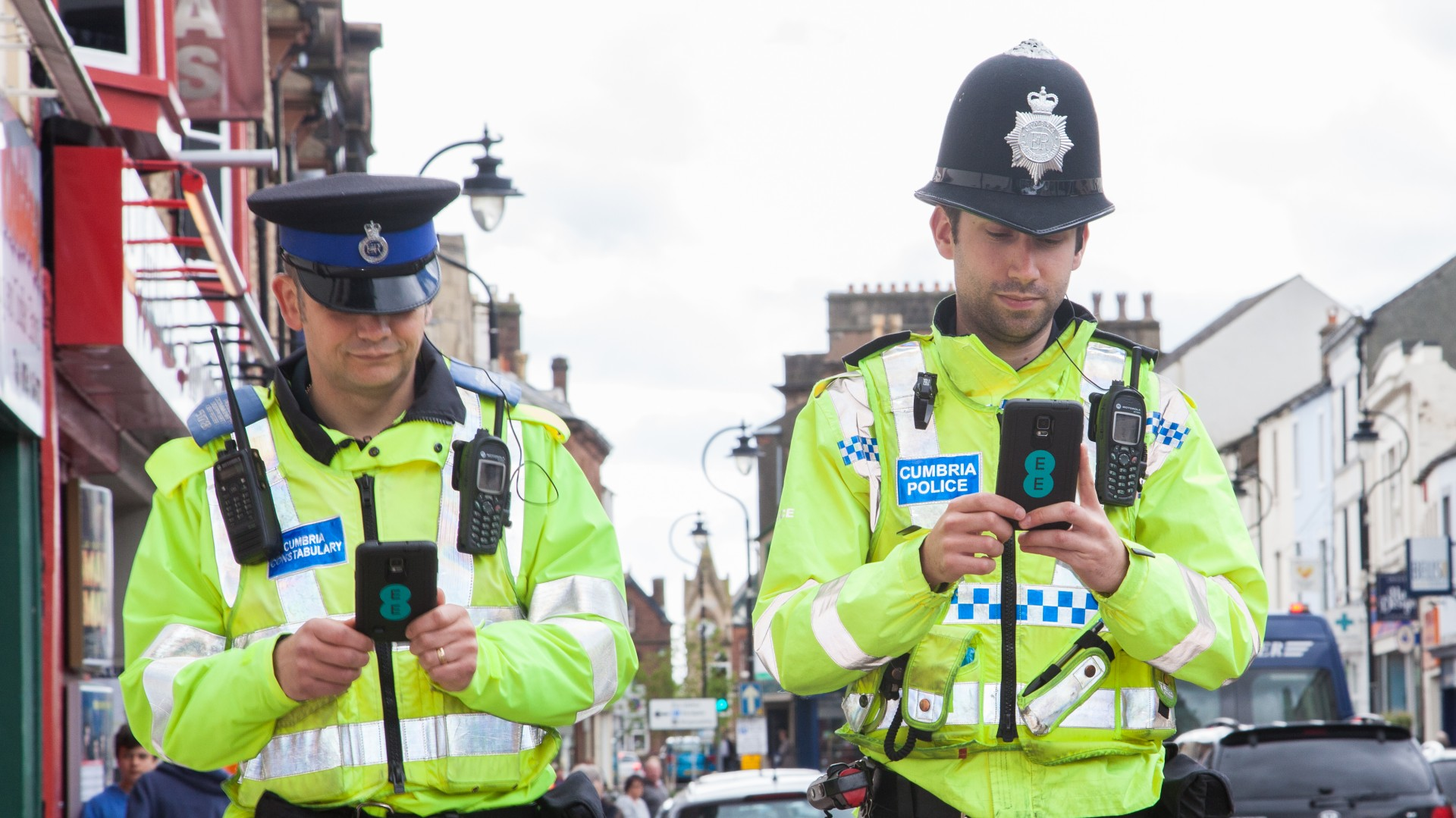 Cumbria Constabulary frontline officers equipped with 4G Samsung Galaxy Note 4s from EE