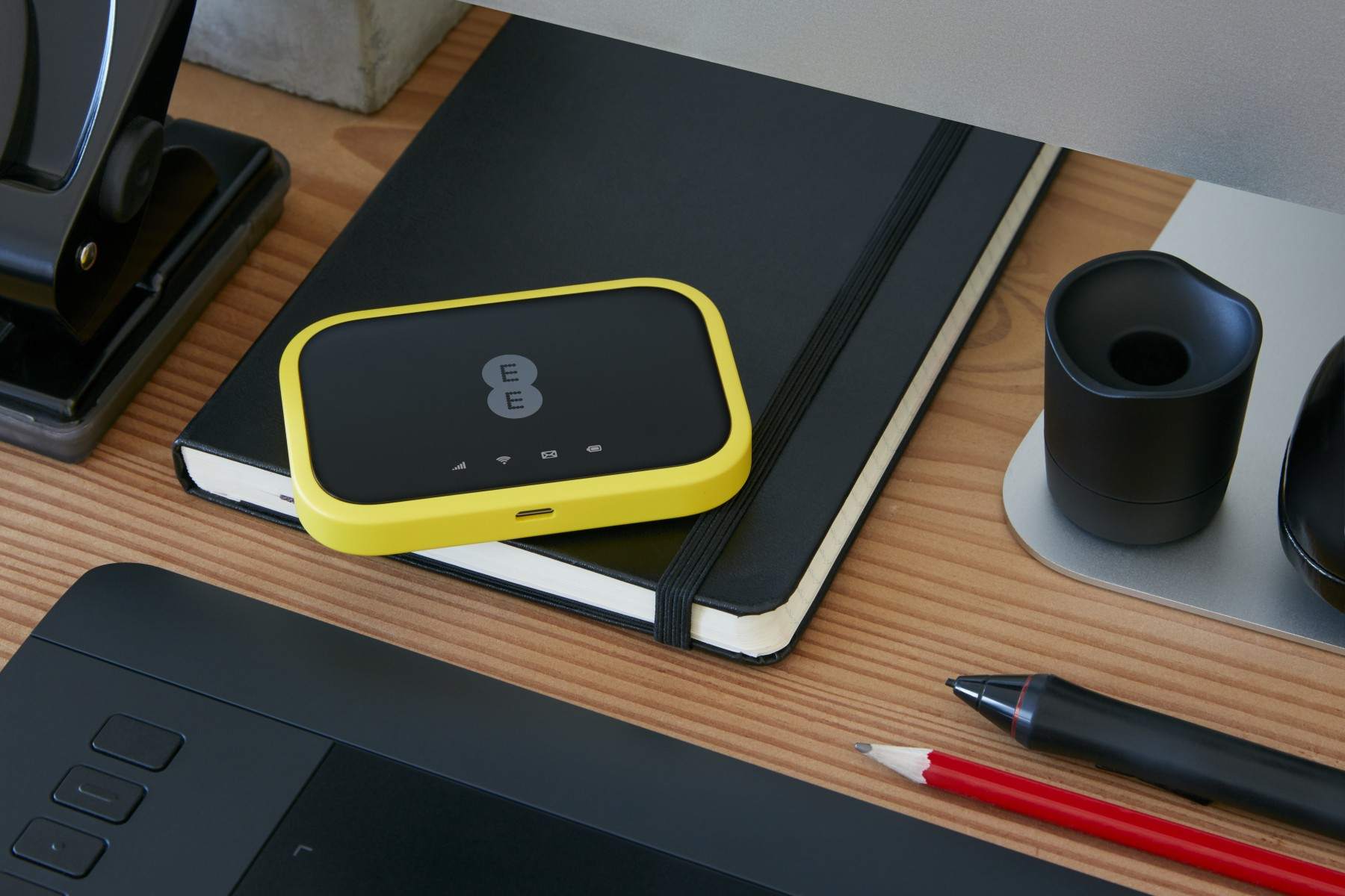 EE 4GEE WiFi Yellow Mini Lifestyle Office