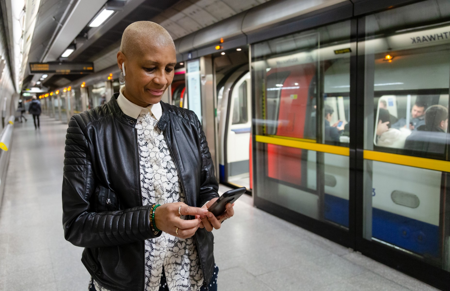 EE and TFL launch 4G