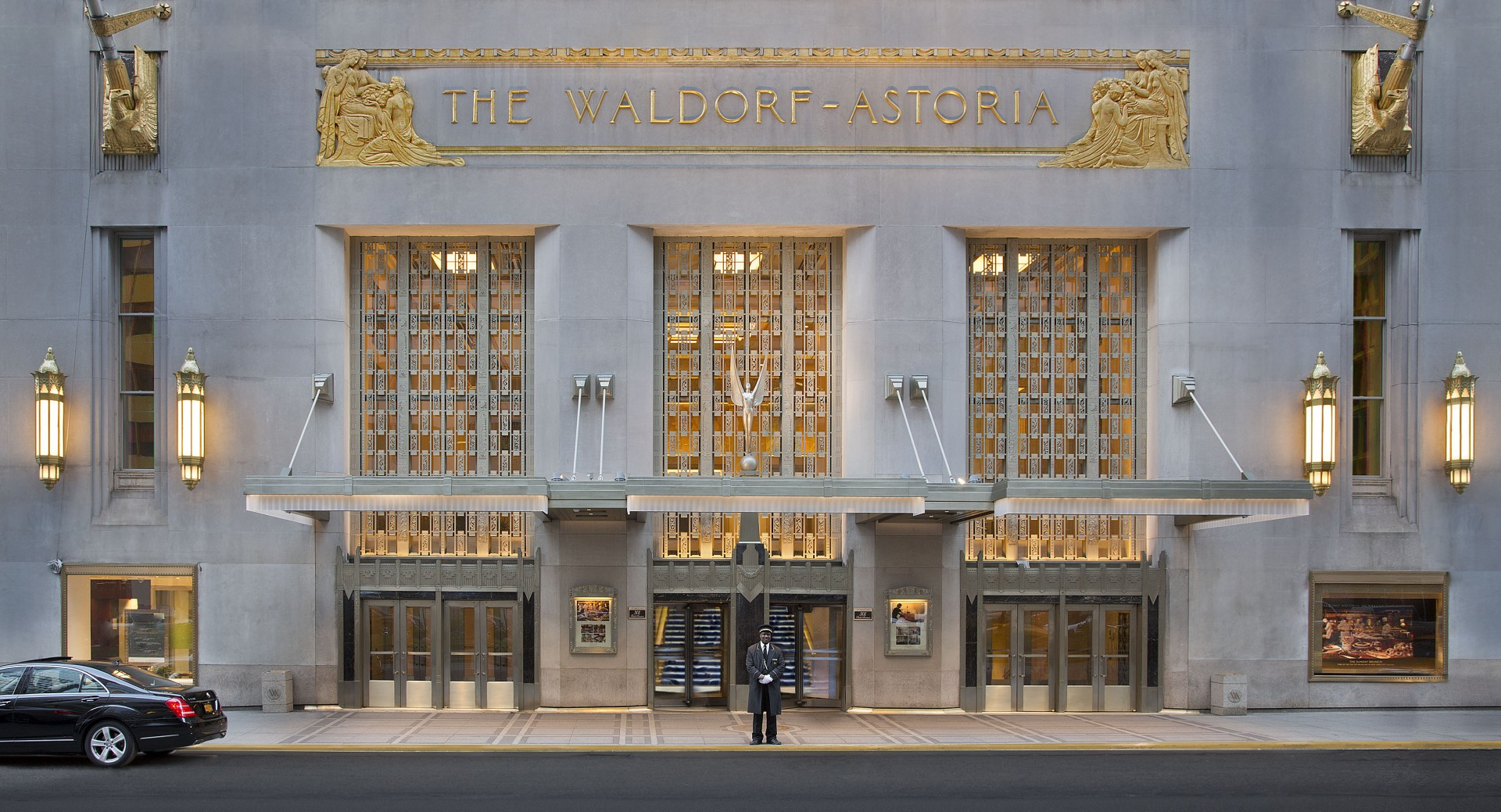 15. Waldorf Astoria_Exterior_photo cred - Booking.com