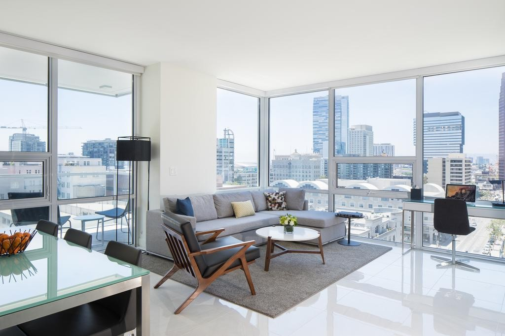 Leafs Fans |  LEVEL Furnished Apartments DTLA, Los Angeles