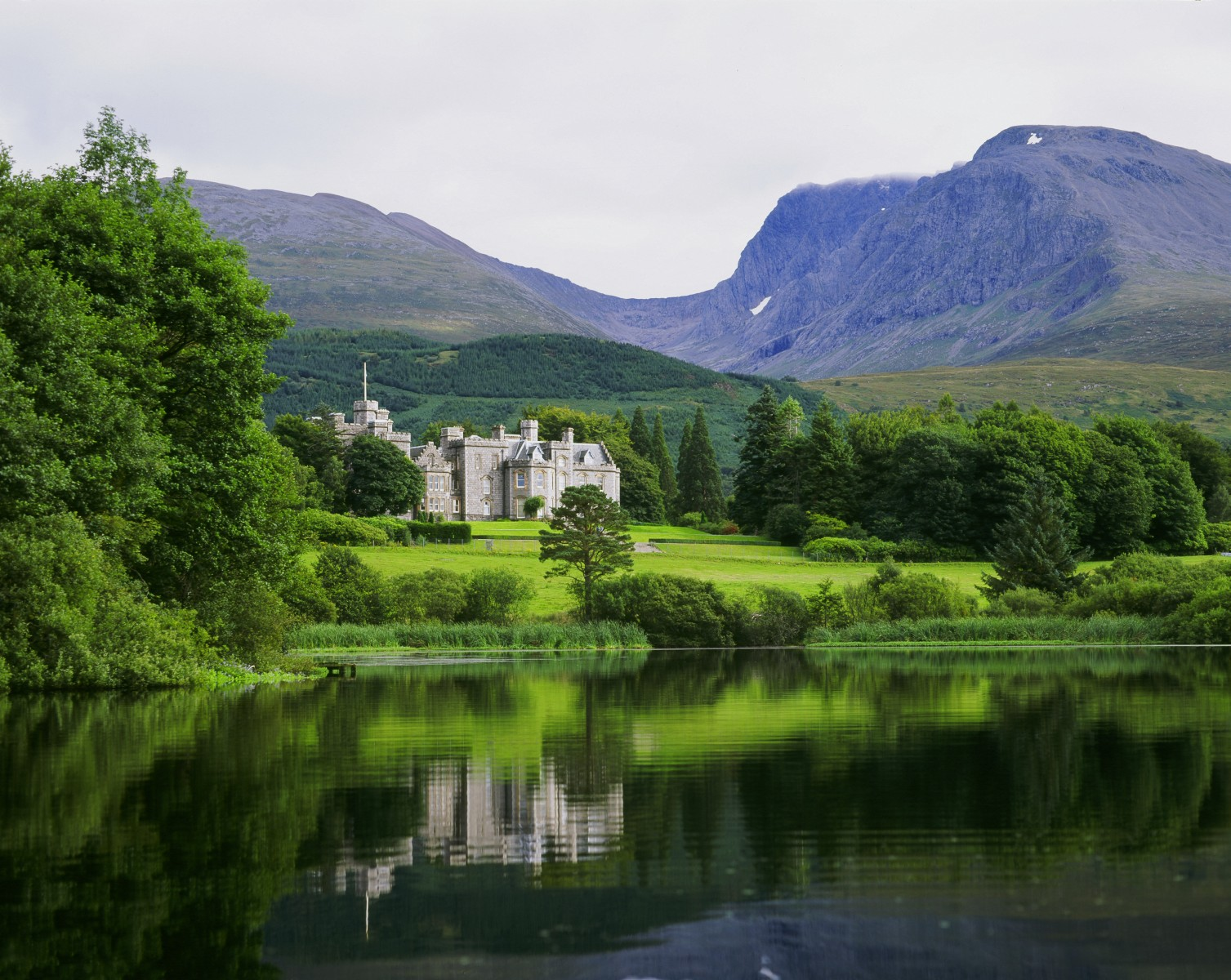 Fort William_Inverlochy Castle Hotel