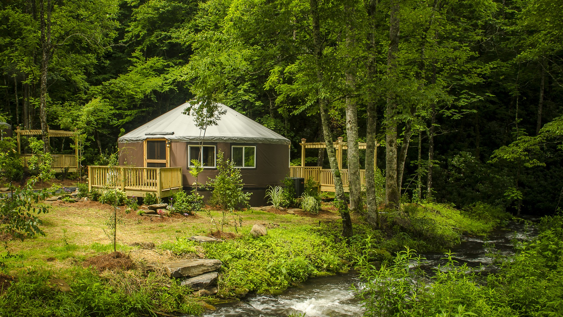 Lake Nantahala-Smoky Mountain-Yurts