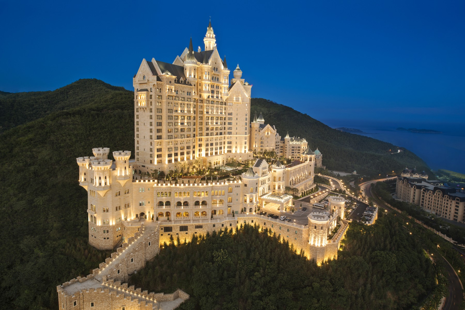 The Castle Hotel, a Luxury Collection Hotel, Dalian 1