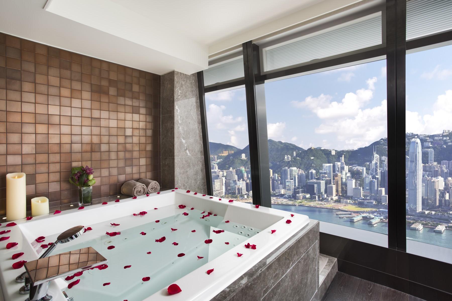Vasca Da Bagno Enorme bagni di hotel più grandi di un appartamento