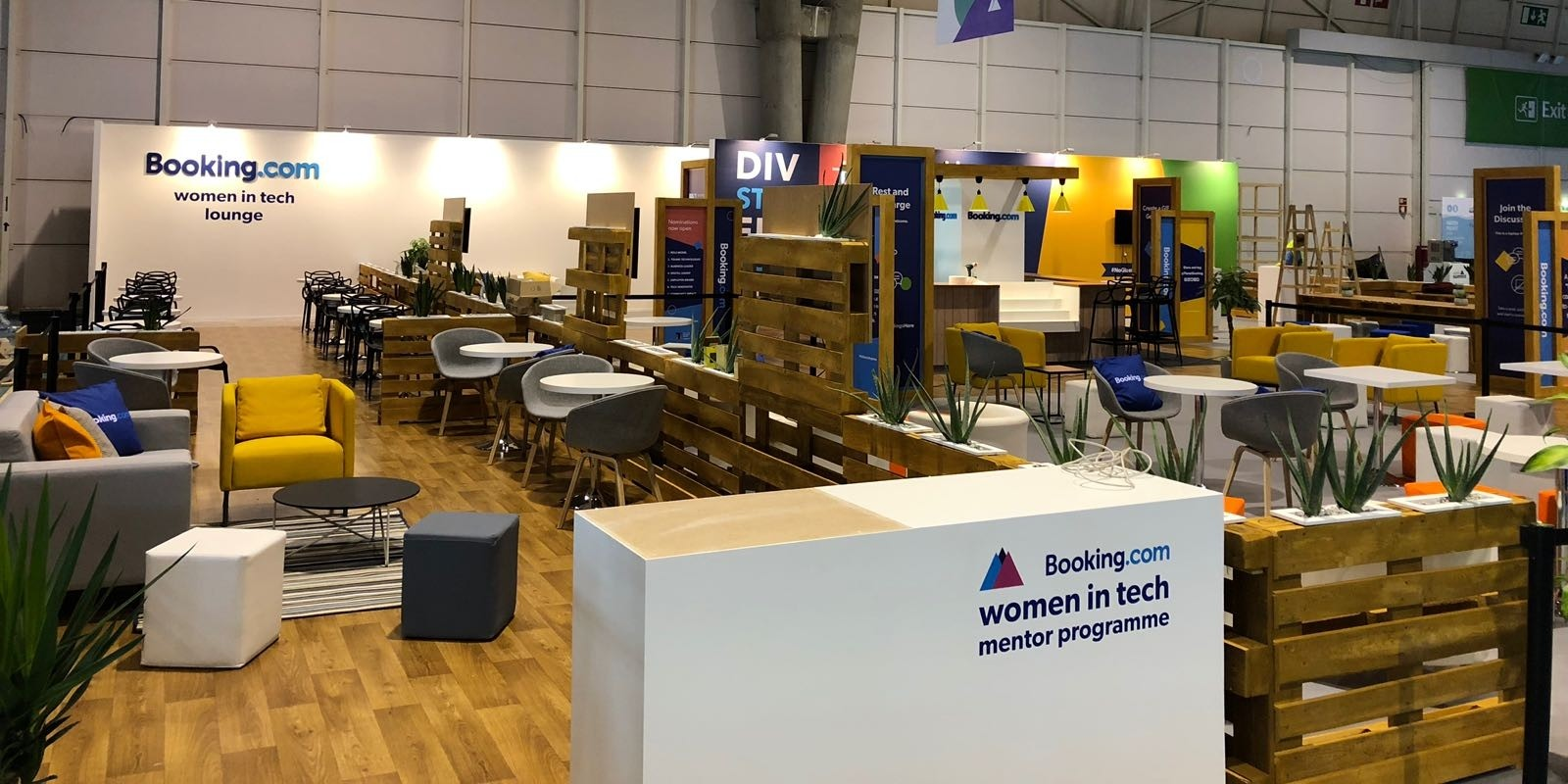 Women in Tech Lounge