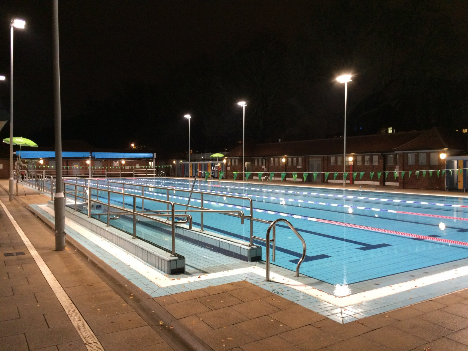 Free swim for residents to celebrate new floodlights for Pool london