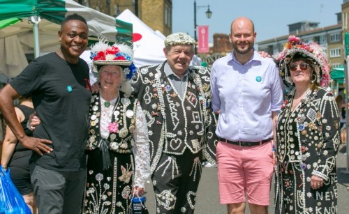 Cllr McKenzie L with Pearly Kings and Queens and Mayor Glanville