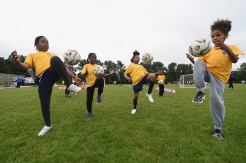 fagirls039footballfestival-london.jpg