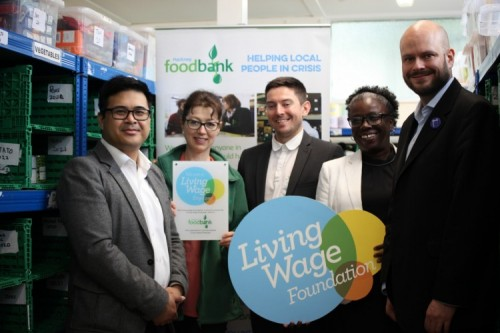 Mayor Philip Glanville with Cllr Carole Williams, Daniel Howard from Living Wage Foundation, Melanie Rochford from Hackney Food Bank and Froilan Legaspi from Citizens UK