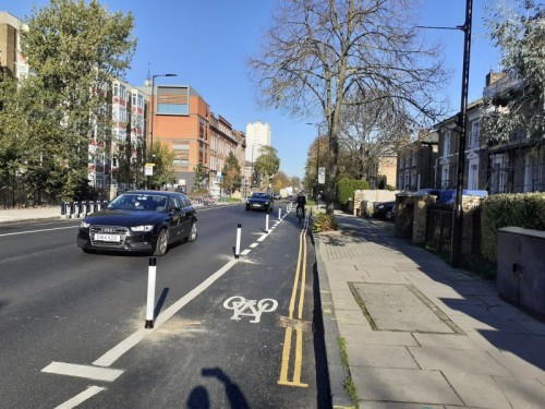 New protected cycle lanes on Queensbridge Road