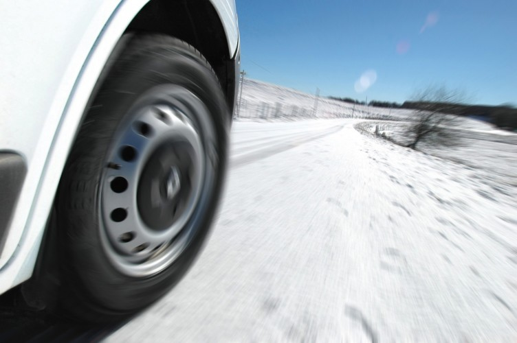 michelin launches agilis crossclimate van and light truck tyre for safe driving in all weather