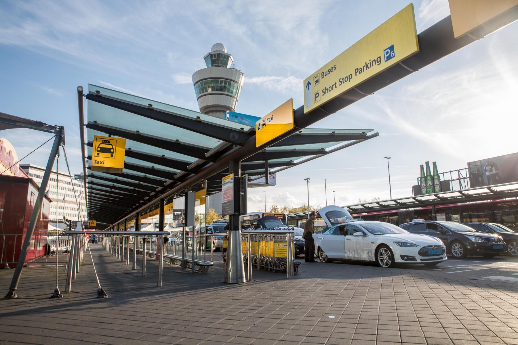 Taxi Schiphol Tilburg? Goedkoop bij wie?